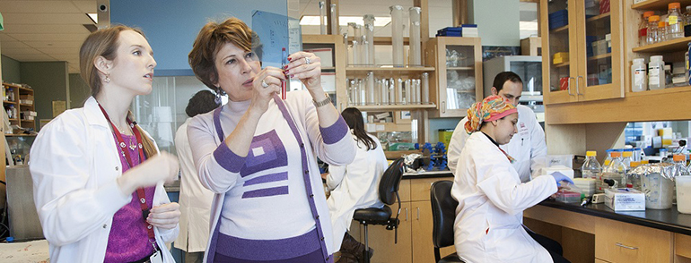 Mona Nemer in the lab